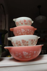 Pink Pyrex Cinderella Mixing Bowl Set Gooseberry 4 Nesting