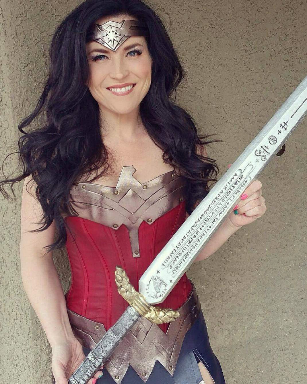Spada Wonder Woman Wonder Woman Sword Dawn Of Justice Inspired Wood Sword