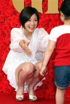 【エロ画像】芸能人&ハリウッド女優もハプニングはあるのだ! 07