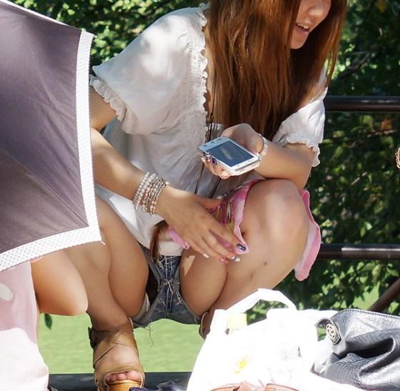 【パンチラ画像】スタイルバツグンの女の子たちのパンチラハプニング画像を集めてみましたww 04