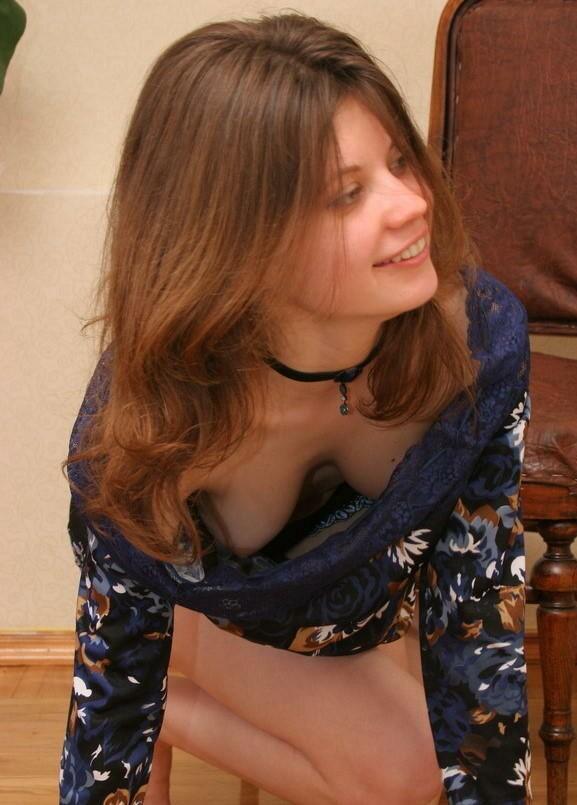 【ハプニング画像】セクシーすぎる外人さん達の乳首チラハプニング画像を集めてみましたww 03