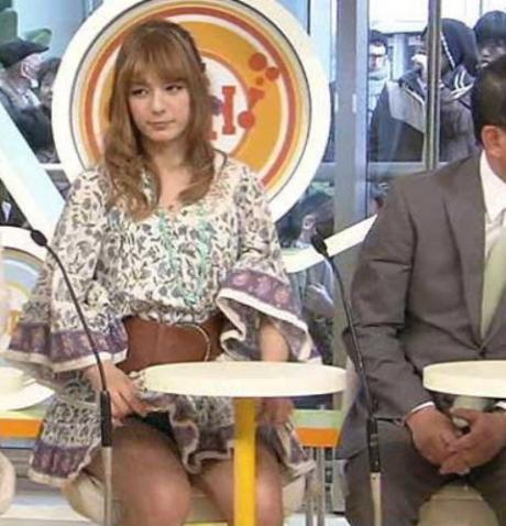 【放送事故画像】テレビに映るちらリズム、まさしく放送事故w 07