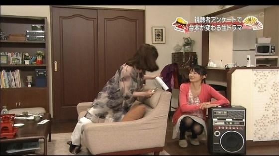 【放送事故画像】テレビに映ったパンツや見えてそうな際どい画像! 10