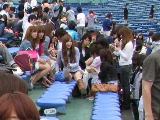 【放送事故画像】甲子園始まったし応援席のハプニング画像うPするわ! 18