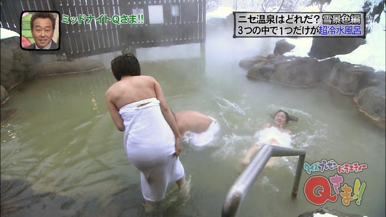 【温泉キャプ画像】バスタオル一枚でテレビに出るタレント達の体がエロすぎやしませんか??ww 17
