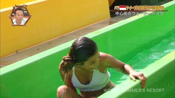 【水着キャプ画像】夏本番!こぞってテレビでも水着美女を紹介し始めましたよwww 02