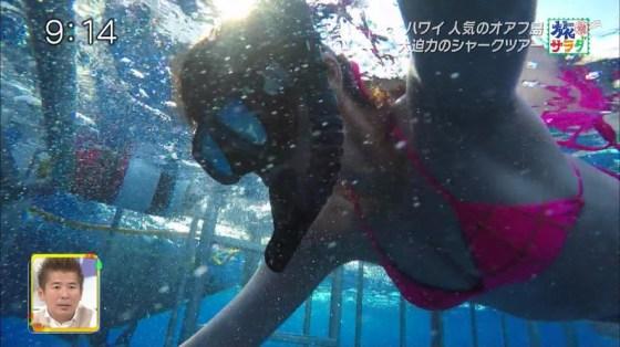 【水着キャプ画像】夏本番!こぞってテレビでも水着美女を紹介し始めましたよwww 17