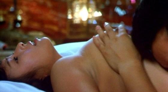 【お宝エロ画像】濡れ場屋ベッドシーンでも迫真の演技を見せ更に乳首までさらけ出す女優達!! 17