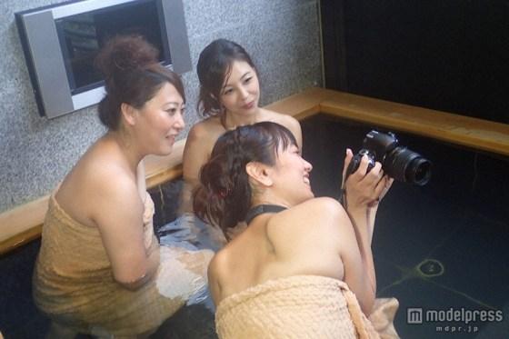 【温泉キャプ画像】旅番組などで映る、美女達の入浴シーンが激エロwその裸体が安易に想像できちゃうw 21