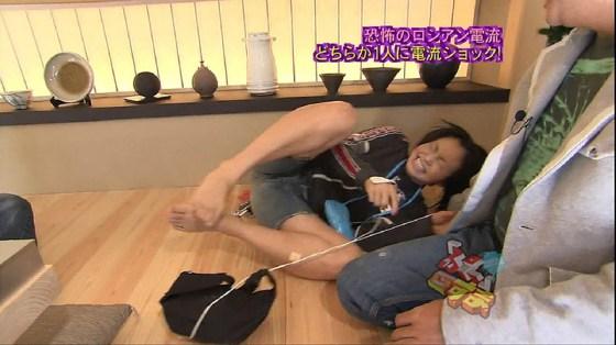 【放送事故画像】ビラビラ注意!!タレントさんがクパーし過ぎて黒ずんだ股間がやばいww 22