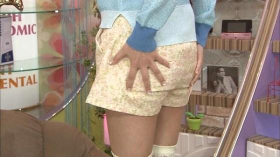 【放送事故画像】パンツ見てほしいらしく、テレビにまでパンツを晒す女達ww 08