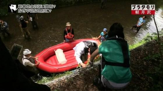【放送事故画像】カメラマンさんも狙ってるであろう有名人のパンチラww 09