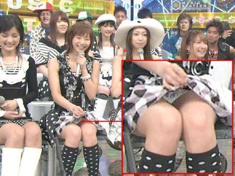 【放送事故画像】パンツ見せんのかい見せへんのかい!見せるならもっとはっきり映してくれww 11