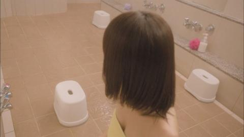 【放送事故画像】入浴シーンに映るオッパイやお尻ってエロさ際立ってやばいよなwww 04
