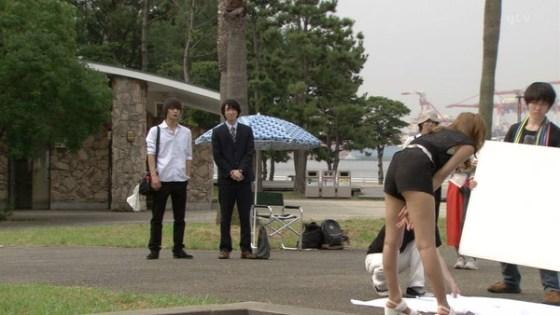 【放送事故画像】女子アナやアイドルの太ももってテレビで見られるだけあってエロいよなww 05