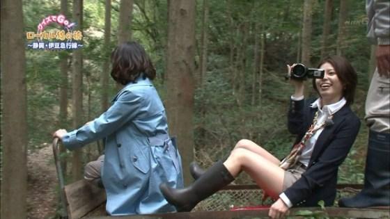 【放送事故画像】女子アナやアイドルの太ももってテレビで見られるだけあってエロいよなww 21
