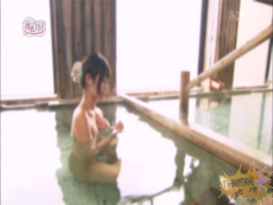 【放送事故画像】もしやパイパン?温泉に行こうに出た女性がパイパンっぽいので際どいシーンがやばいww 38