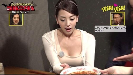 【放送事故画像】美乳で巨乳なオッパイ娘達がここぞばかりにオッパイアピールwww