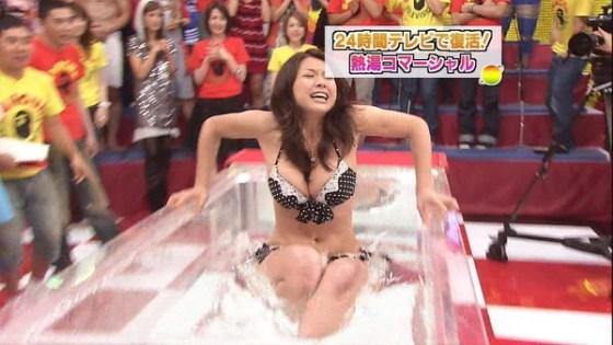 【放送事故画像】水着やら下着姿でテレビ出てくるオッパイ自慢の女達がこちらwww 23