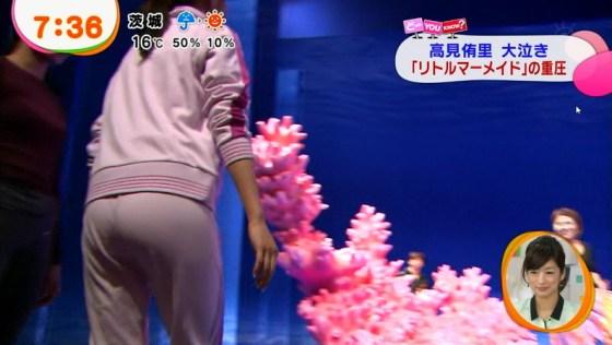 【放送事故画像】テレビ見ててもこんな尻出て来たら尻ばっかり見てしまうよなww 17