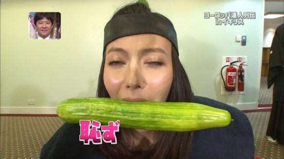 【放送事故画像】エロい食べ方してフェラの練習!そんなフェラ顔を放送中www 09