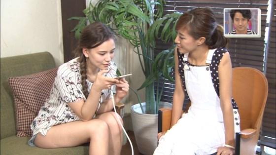 【放送事故画像】ムッチムチのエロい太もも露出してテレビに出てる女達がエロすぎww 08