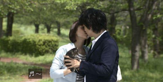 【放送事故画像】キス顔とかキスシーン見てたらキュンキュンしない?ww 16