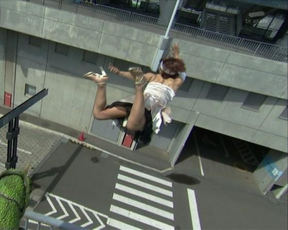 【放送事故画像】一瞬でも見えたら嬉しくなるパンチラをお届けしましょうwww 03