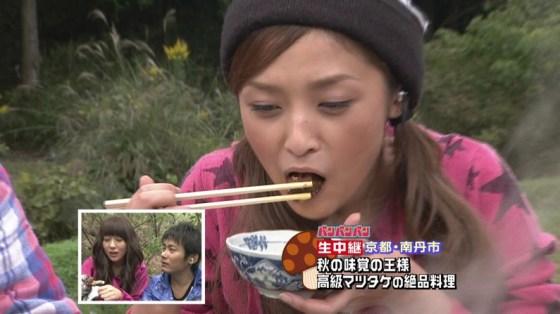 【擬似フェラ画像】まるで本間にフェラしてるかのようにエロい表情で食べる女達ww 19