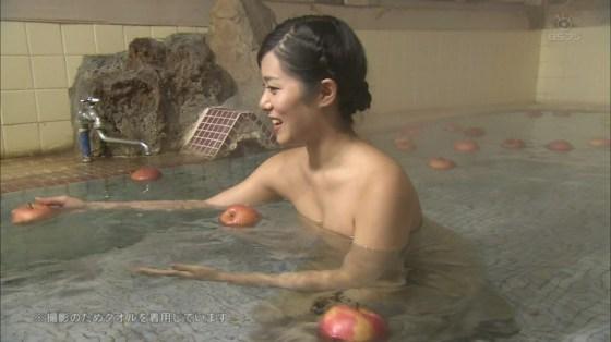 【放送事故画像】温泉レポやってても効能より絶対谷間の方が気になるよなwww 02