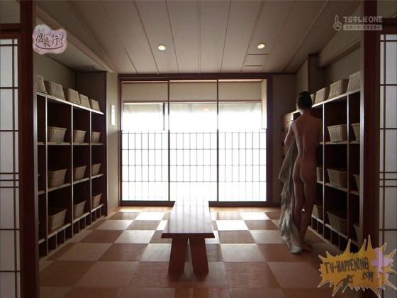 【お宝エロ画像】来た来た来た~!!温泉に行こうで完全に乳首映しやがった~wwww 46