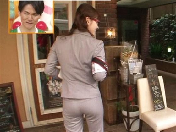 【放送事故画像】女子アナがピッタリしたパンツ履いてお尻のラインが丸分かりww 20