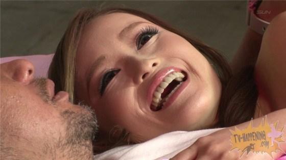 【お宝エロ画像】ケンコバノバコバコTVで男物のボクサーパンツ履いてる女が中々エロかったw 28
