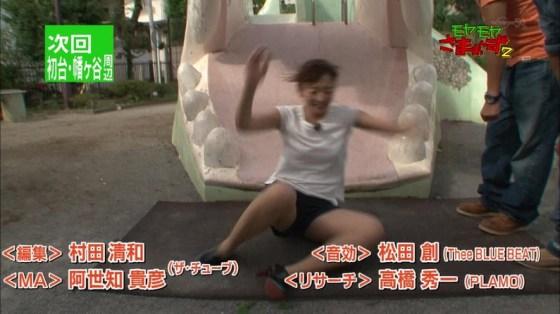 【放送事故画像】この脚見てたらオナニーしたくなっても仕方のないタレント達のエロい太もも! 13