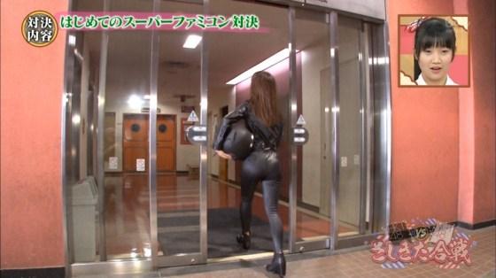 【放送事故画像】絶対尻こきしてほくなるようなピチピチなアイドルのお尻ww 21