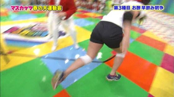 【放送事故画像】エロいお尻が盛りだくさん!女子アナからアイドルまでバックアングルがエロすぎるww 12