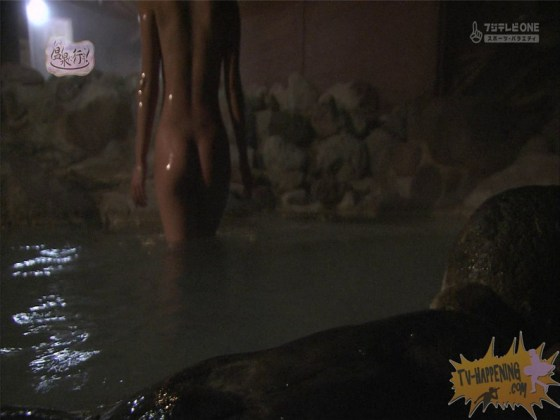 【お宝エロ画像】お尻アングルが絶妙なエロさを誇る番組もっと温泉に行こう! 70
