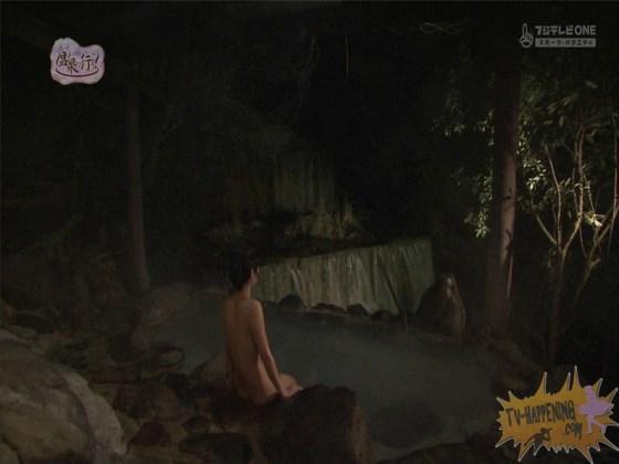 【お宝エロ画像】お尻アングルが絶妙なエロさを誇る番組もっと温泉に行こう! 71