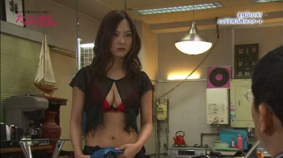 【くびれキャプ画像】テレビに映るくびれ美女の自慢のお腹がこれだwww 19