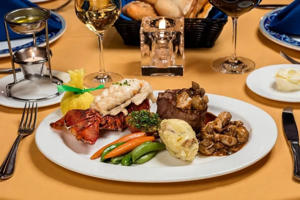 Hugo39s Cellar Las Vegas Restaurants Review 10best