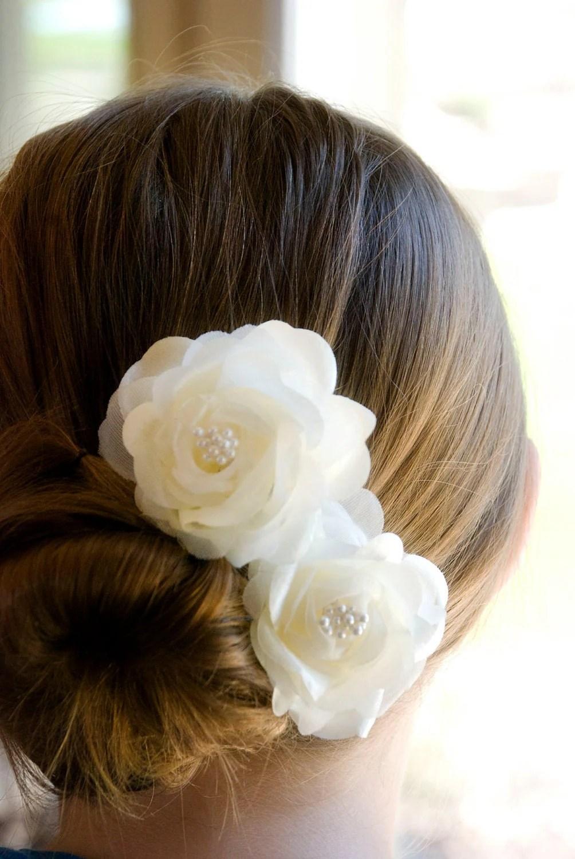 Wedding Hair Accessory / Ivory Wedding Hair Flowers