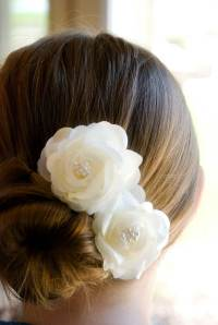 Wedding Hair Accessory / Ivory Wedding Hair Flowers