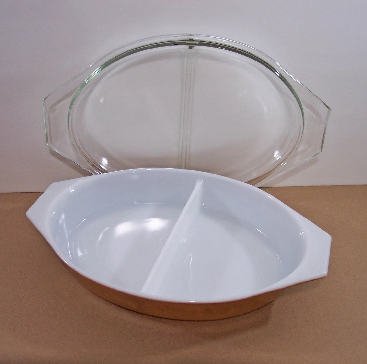 Ovenware Pyrex Divided Dish. Ovenware Baking Dish By