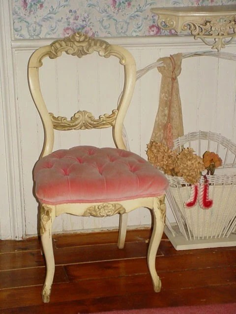 Shabby Chic Shop Vintage French Pink Velvet Tufted Boudoir Vanity Chair Carved