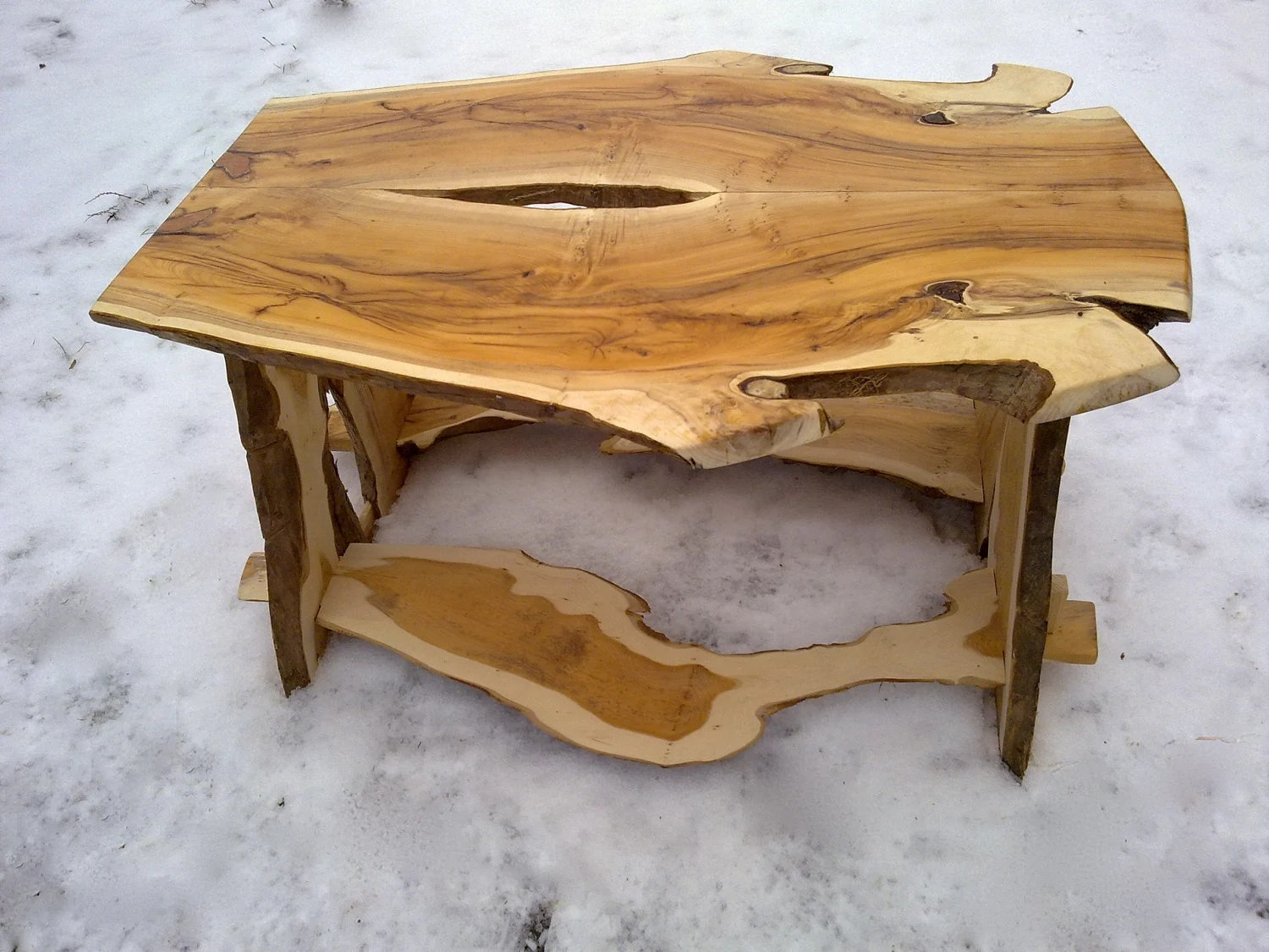 Planks Couchtisch Yew Wood Coffee Table Made From Bookmatched By Benjaminsbarn