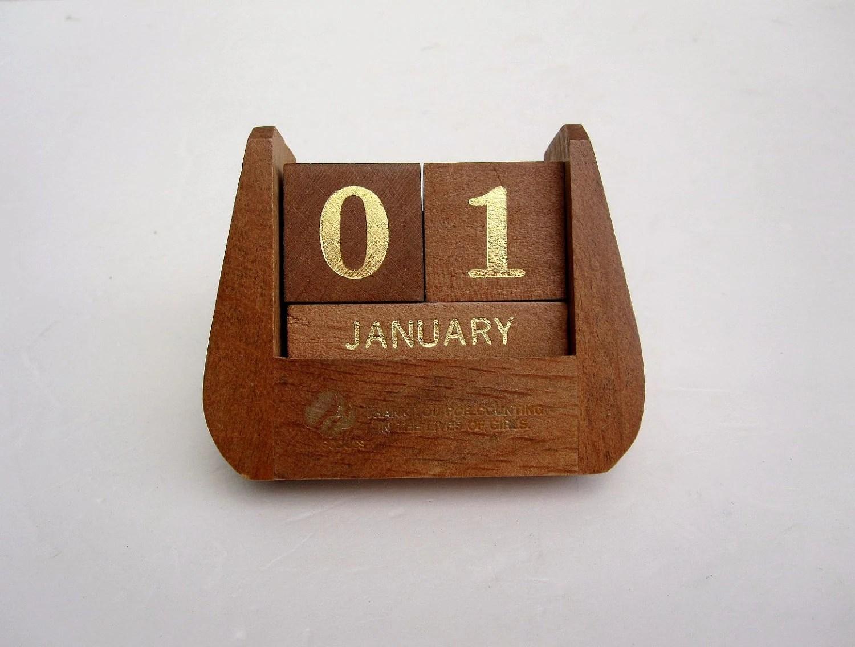 Perpetual Desk Calendar Blocks Perpetual Calendar Block Ebay Perpetual Calendar New Years Desk Accessory Brown And Gold