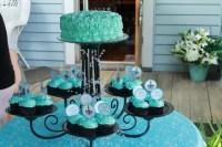 Chandelier Cupcake Holder. Madeleine Collection' 12 Piece ...