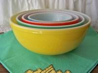 Vintage Pyrex Primary Colors Mixing Bowl Set