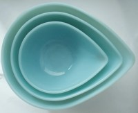 SALE: Vintage Fire King Teardrop Mixing Bowls