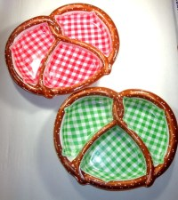 Vintage Plastic Picnic Plates Pretzel Divided Snack Bowls